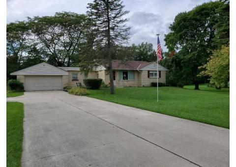 House for Sale in Mequon